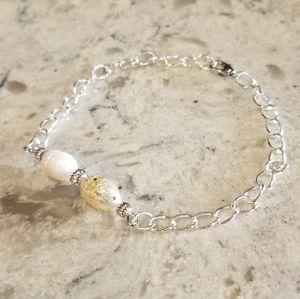 Bracelet with Handpainted Pearls Gold and White